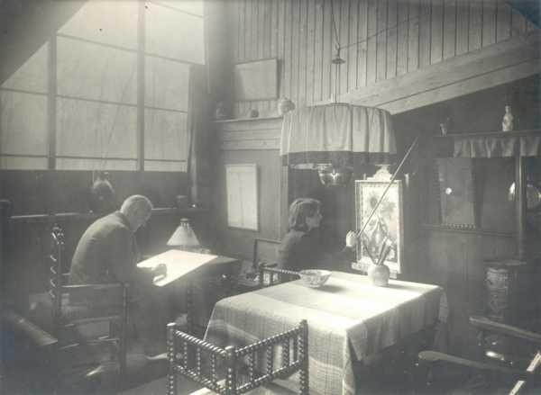 Het echtpaar Bruijnesteijn in zijn atelier, 1936/37.
